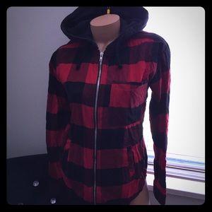 ✨H&M red n black plaid hoodie size 4🕶